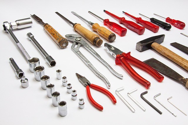 tool-379596_640